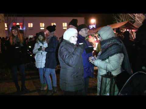 TVS: Strážnice - Rozsvícení vánočního stromu je příležitost k setkávání