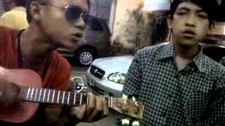 punk rock jalanan - Duduk terdiam di sini