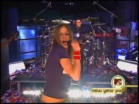 Avril Lavigne - Complicated @ Times Square [NY] New Years Eve 31/12/2002 HQ