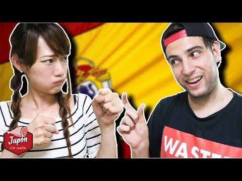 JAPONESA ADIVINANDO GESTOS ESPAÑOLES: La Venganza (видео)