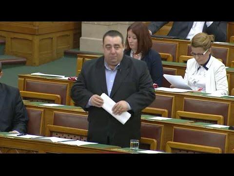 A rezsicsökkentés dupláját veheti vissza a Fidesz a nyugdíjak megadóztatásával és más megszorításokkal