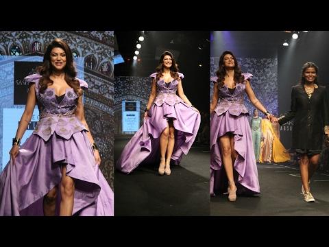 Sushmita Sen Walks On Ramp For Designer Sashi Vangpalli At LFW Summer 2017