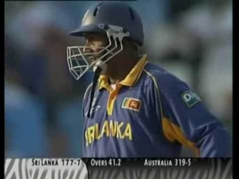Aravinda De Silva Savages Brett Lee