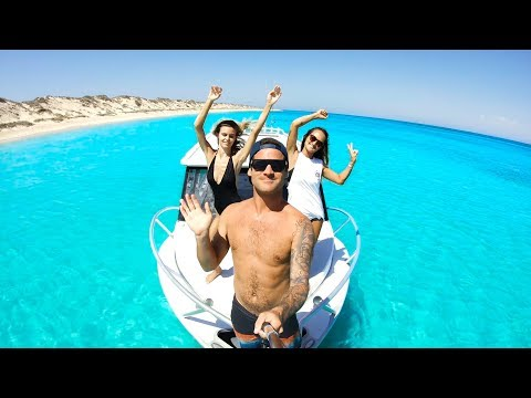 NO RECEPTION NO WORRIES Remote Spearfishing Catch And Cook With The Girls - Ep 56 - Thời lượng: 12 phút.