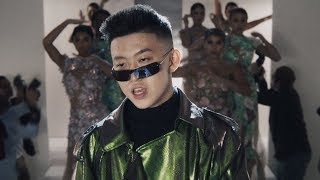 Video Rich Brian - 100 Degrees (Official Video) MP3, 3GP, MP4, WEBM, AVI, FLV Agustus 2019