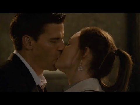 Bones 5x16 - Booth and Brennan first kiss