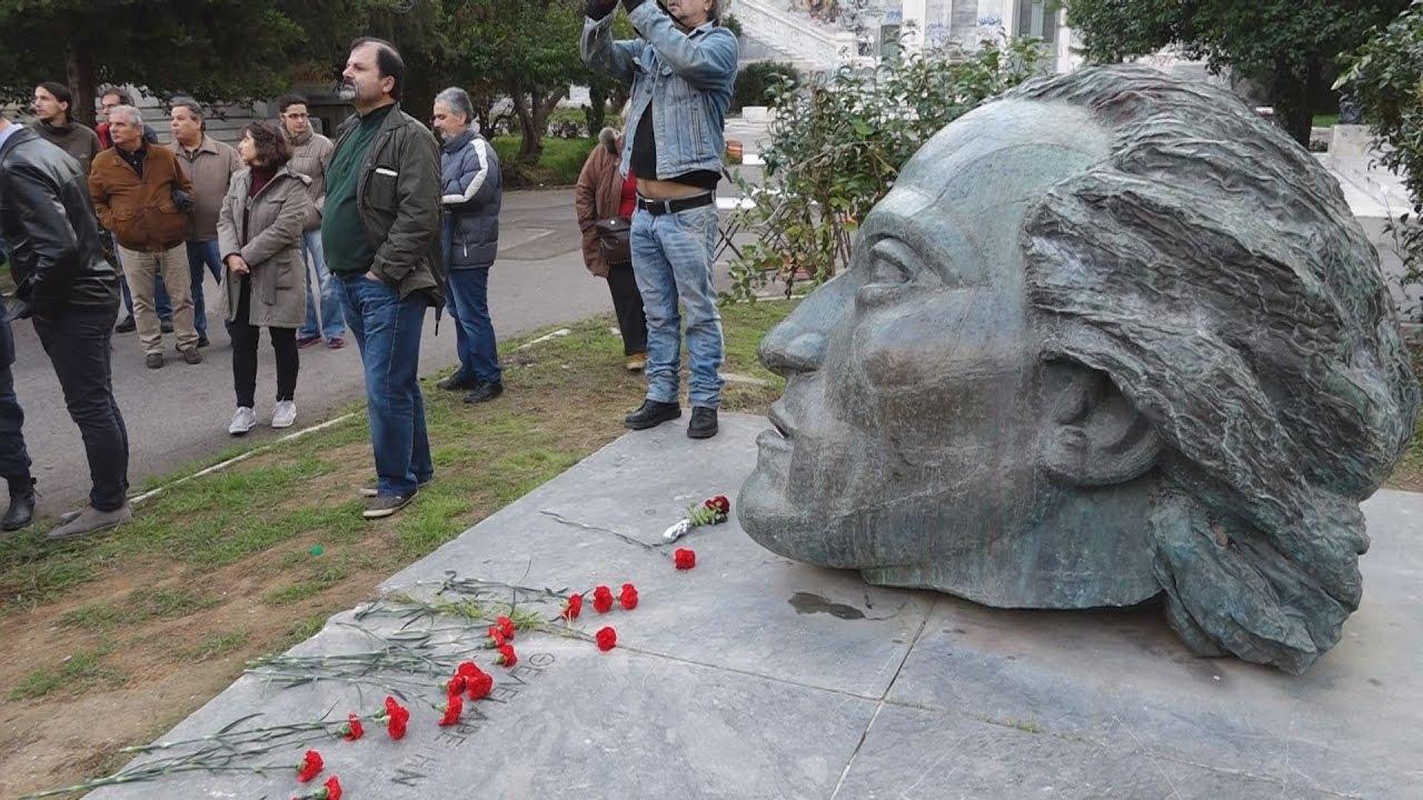 Κατάθεση στεφάνων από τον πρόεδρο της Βουλής, τον υπουργό Παιδείας και αντιπροσωπεία του ΣΥΡΙΖΑ