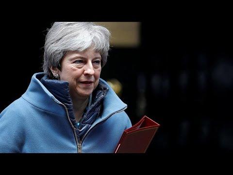 Μάχη μέχρις εσχάτων δίνει η Μέι για το Brexit