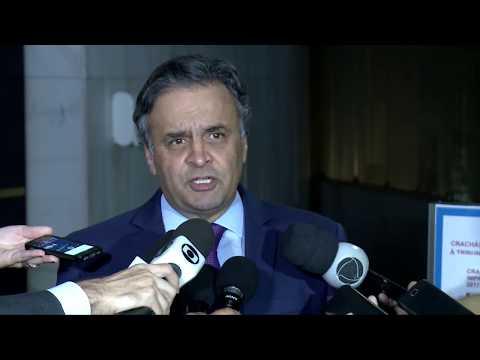Aécio Neves anuncia acordo para aprovação da PEC da reforma política na semana que vem
