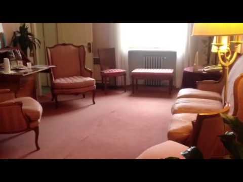 Dentro una suite del Palace Hotel