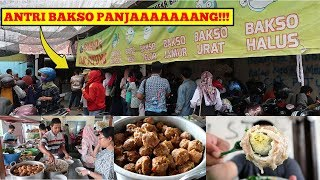 Video BAKSO PALING LARIS SE INDONESIA?!!! - Bakso Cak Pitung Sidoarjo MP3, 3GP, MP4, WEBM, AVI, FLV April 2019