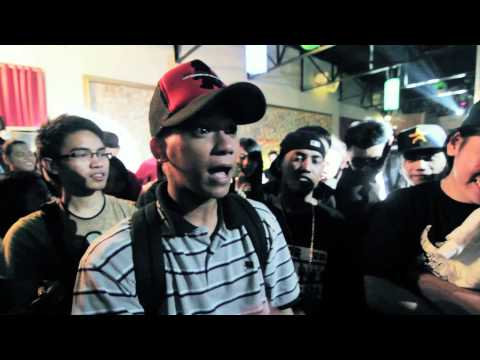 FlipTop - Damsa vs Smugglaz (Holiday Release)
