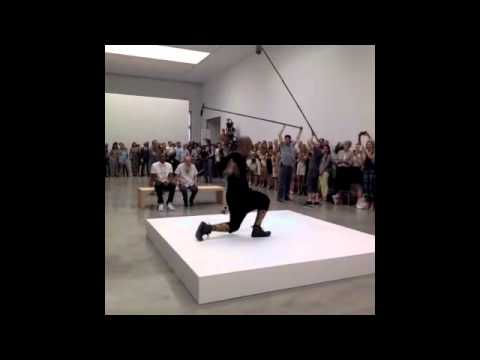 0 Jay Z Performs Picasso Baby at NYCs Pace Gallery