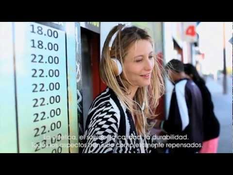 Frends headphones - FRENDS crea la primera linea de audífonos exclusivamente para mujeres. Un producto diseñado con un proceso completamente diferente, una joya vintage y artesa...