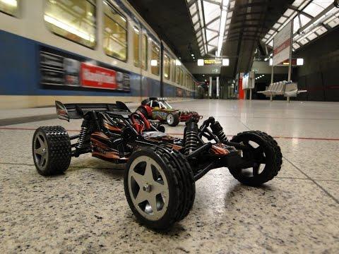 Ferngesteuerte Autos bei der U-Bahn Challenge München (NightRace)