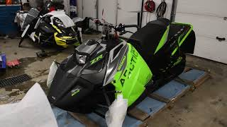 9. Arctic Cat Zr6000 2019 unboxing