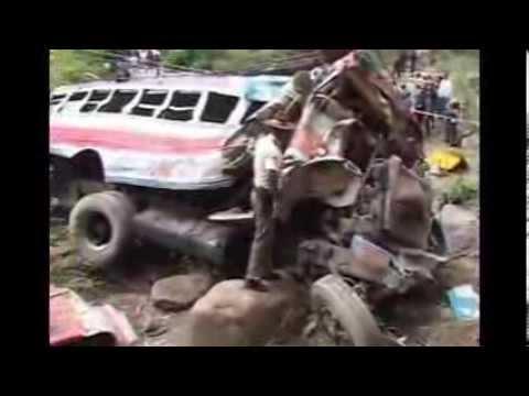 ACCIDENTE DE AUTOBUS EN CHIMALTENANGO, GUATEMALA - REPORTAJES ESPECIALES PARTE 2