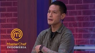 Download Video MASTERCHEF INDONESIA - Hans dan Kadek Diomeli Oleh Chef Juna | Gallery 6 | 31 Maret 2019 MP3 3GP MP4