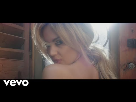 Samantha Jade feat. Pitbull - Shake That