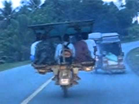 Xe chở người kỳ lạ ở Philippine