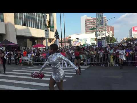 African American Parade~Harlem~2017~West Coat/East Coast Westsiders Show How It's Done~NYCParadelife (видео)
