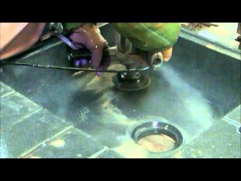 Comment nettoyer evier en granit noir la r ponse est sur - Comment percer un evier en resine ...