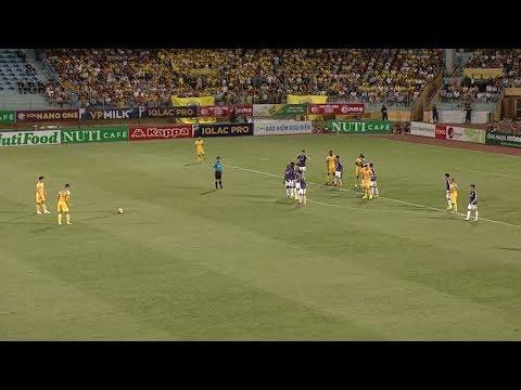 Chiêm ngưỡng những cú sút xa đẹp nhất V-League mùa giải 2018 | VPF Media - Thời lượng: 5:30.