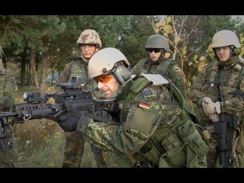 Protection - Auf dem Truppenübungsplatz in Bergen werden die Feldjäger des Close Protection Team in allen Facetten des Personenschutzes ausgebildet. Zum anspruchsvollen Lehrgang gehört natürlich auch...