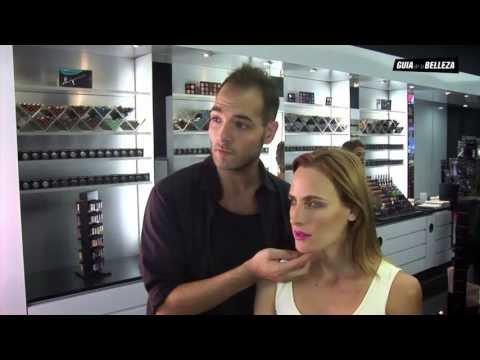 mac cosmetics - http://www.guiadelabelleza.com.ar - Mac Cosmetics - Maquillaje de Noche Hazte fan: https://www.facebook.com/GuiaDeLaBelleza El Senior Artist de MAC Cosmetics...