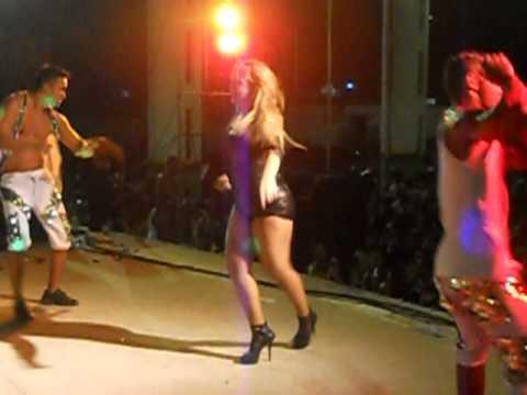 ' Michelle Melo & Banda Metade em Carpina ♪ - 01/05/2013 - parte 3