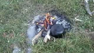 odun ateşinde çay nasıl kaynatılır? İşte lezzetli bir çayın görüntüleri. yer Ardahan/Göle/Köprülü. Rakım 2500 metre