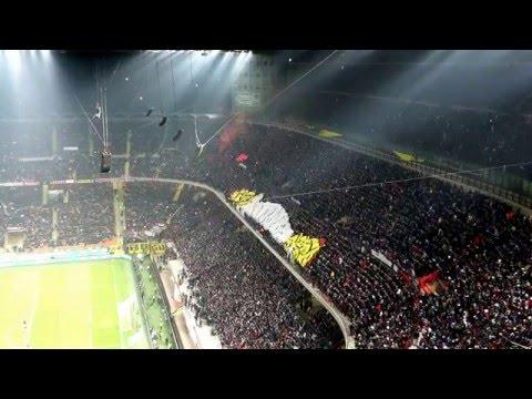Film ultras Milan durante il derby