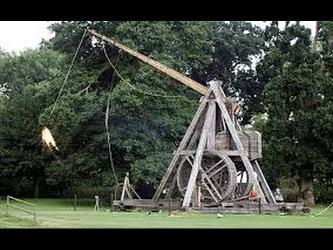 Ancient catapult Trebuchet shooting at Warwick castle | Warwickshire | England