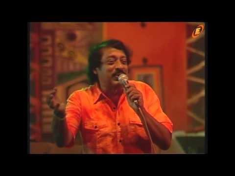 காலஞ்சென்ற பொப் இசை பாடகர்   A .E .மனோகரன்  அவர்களின் அடையாளப்பாடல் !!!  Suranganita maalu genawa ( stars of 70s )