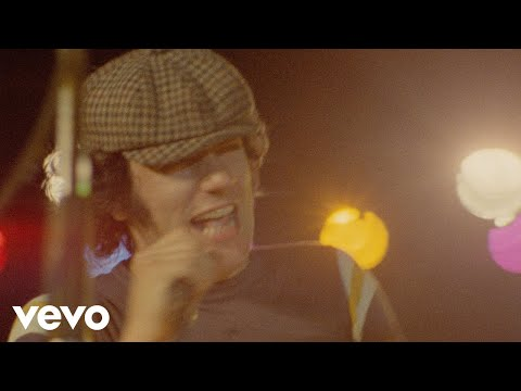Back - Music video by AC/DC performing Back In Black. (C) 1981 J. Albert & Son (Pty.) Ltd.