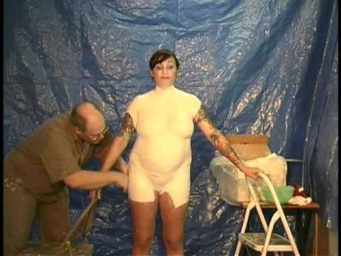 Body casting the Pregnant belly (nude)