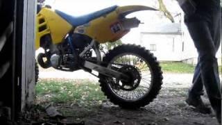 8. 1989 Suzuki RM250 Cold Start