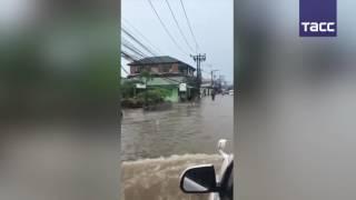 Наводнение на Самуи: в Таиланде под удар стихии попал популярный среди туристов остров