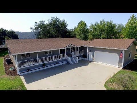 1138 Spring St, Oak View   3 Beds, 2.5 Baths, 2.63 Acres