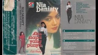 Video Nia Daniaty - Aku Siapa Yang Punya MP3, 3GP, MP4, WEBM, AVI, FLV Juli 2018