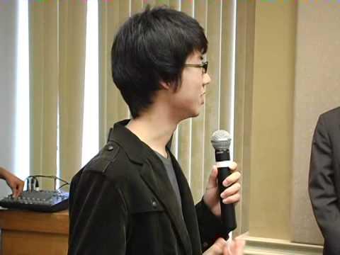 Elon Studenten aus Japan über die Tragödie zu sprechen in ihrem Land