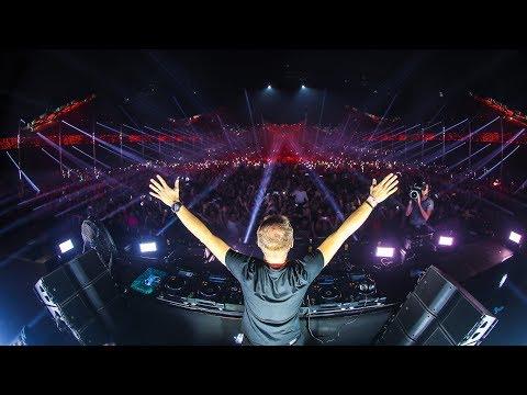 Armin van Buuren - Garden Of Madness | Tomorrowland Winter 2019 - Thời lượng: 1 giờ, 11 phút.