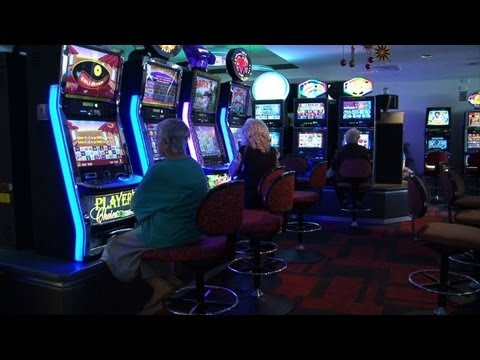Australia to tackle slot machine addiction