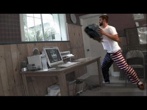 Matt\'s Revenge: No, NO. NO! Scare Prank - (Printer through window)