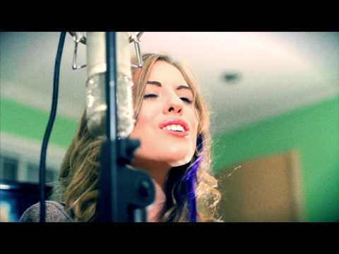 "Kelly Clarkson  ""Stronger (What Doesn't Kill You)"" Cover"