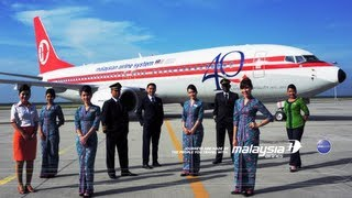 Video The Painting of Malaysia Airlines Retro Jet MP3, 3GP, MP4, WEBM, AVI, FLV Agustus 2018