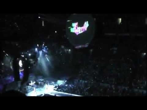 Coldplay - Charlie Brown/Paradise (Live @ TD Garden, Boston, July 29, 2012)