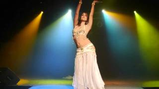Alia-Vintaqe style belly dance