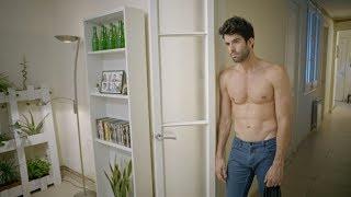 Video Versátil (Versatile) cortometraje gay MP3, 3GP, MP4, WEBM, AVI, FLV Februari 2019