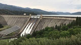Did you know that our #DamOfTheWeek, Shasta Dam, has a storage capacity of 4,552,000 acre-ft of water? In this footage, Shasta Dam is effectively managing flows during Spring run-off operations. Video by Reclamation's Sheri Harral.